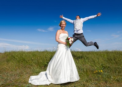 happy jumping on wedding day
