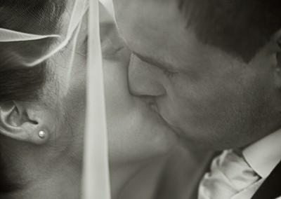 Wedding photo kiss